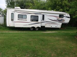 Keystone Montana 3400 RL Hickory Edition Fifth Wheel