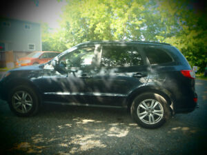 "2011 HYUNDAI SANTA FE AWD /NEW MVI .""DRIVES LIKE NEW"""