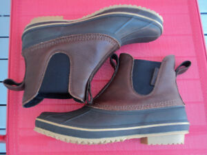 Brand New WindRiver Men's Canyon Mid-Cut Boots Size 10
