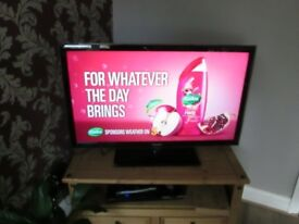 SAMSUNG UE40D5520 Smart TV used with stand,remote not the correct one but works most functions,