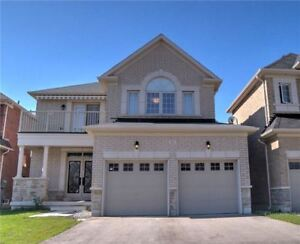 Spectacular Oak Ridges home!