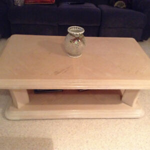 Solid wood coffee & end table