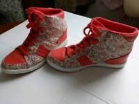 Women shoe size 5