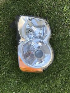 2008 Jeep Grand Cherokee left headlight HiD