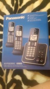 Brand new Panasonic 3 digital cordless's & answer machine $80obo