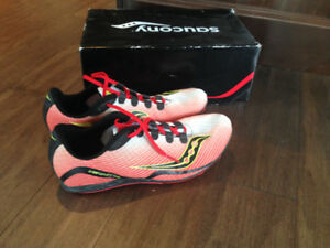 $50 · Saucony Vendetta Running Spike Shoes - Size 7.5 Mens