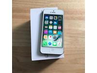 IPhone 5 16gb Silver Unlocked...!!!