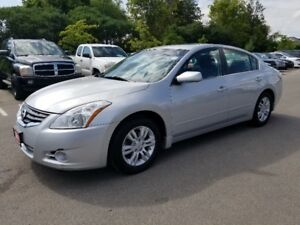 2011 Nissan Altima 2.5S *** LOW KM, SUNROOF, Heated Seats ***