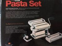 Pasta maker machine