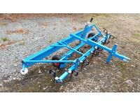 Arena mate type 1 with tines. For fibre, rubber and sand surfaces.