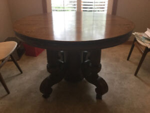 Tiger oak  round table