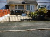 Iron driveway Gates 20ft in tottal