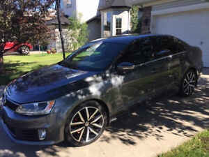 2012 Volkswagen GLI with leather & sunroof