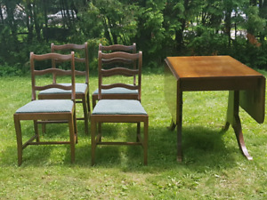 Antique Walnut Duncan Phyfe Style Drop Leaf Table amd 4 Chairs