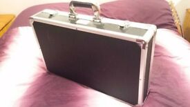 "Kinsman KUPB5 ""Flight Case"" Guitar Pedal Board."