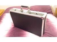 "Kinsman KUPB5 ""Flight Case"" Guitar Pedal Board."