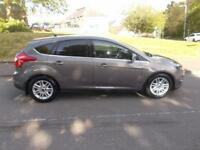 FORD FOCUS 1.0 TITANIUM 5d 124 BHP (brown) 2013