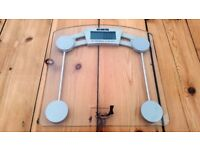 EKS Glass Electronic Scale