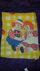 Vintage Raggedy Ann Bedsheet  (Fitted/Twin)