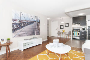 Beautiful 1 BDRM Apt in Centrepointe- Pool. Gym & More!