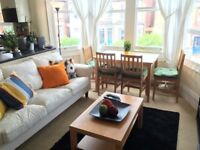 SINGLE BEDROOM IN A LOVELY FLAT - PALMERS GREEN