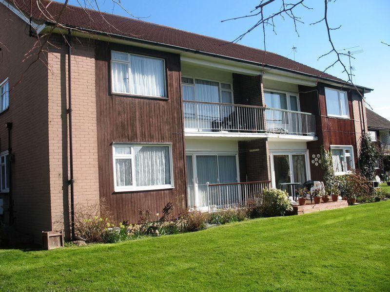1 bedroom flat in 4 Dene Court, Stanmore,