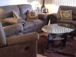 9pc living room set year old excellent condition moving must go