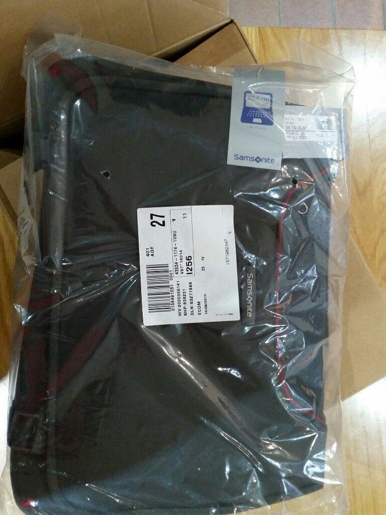 Samsonite B-LITE FRESH laptop messenger bag - still in packaging