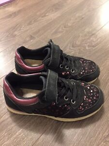 Girls Geox sz 13 runners