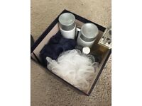 WOMENS BATH SET