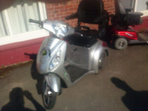 Mobility Scooter 2600$ OBO
