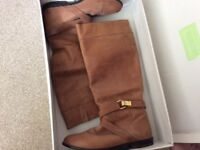 Tosphop size 7 tan coloured boots