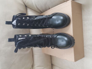 Must Have ZARA  miltary green  Boots ,Tag intact.