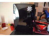 18 litre black mini fridge