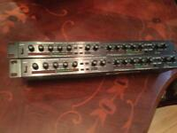 ALESIS 3630 DUAL CHANNEL COMPRESSOR WITH LIMITER