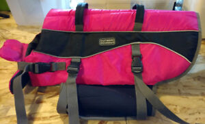"""Large Dog Life jacket (55 - 85 lbs) made by """"Outward Hound"""""""
