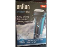 new boxed braun water-flex wf2s blue shaver