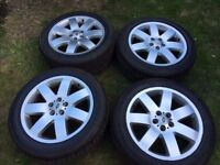Range Rover 20inch Alloys with As New tyres