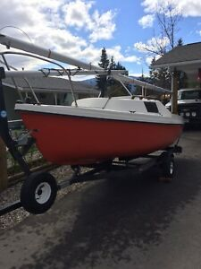 DS16 Sailboat Good Condition