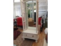 Shabby sheik bedroom unit