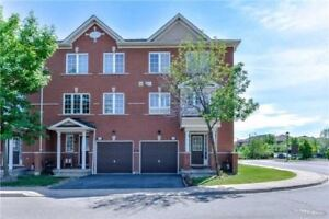3+1 Condo Townhouse In Mississauga (McLauglin/Derry)