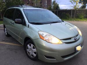 2007 Toyota Sienna Mint condition E-tested Minivan, Van