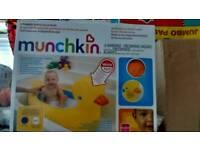 Brand new munchkin babys duck bath