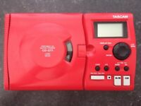 Tascam CD-GT1 Portable Guitar Trainer