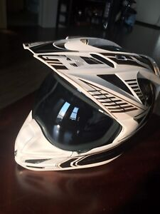 Icon Variant white carbon fibre - large