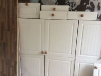 Kitchen Cuboards & Drawers and worktops