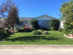 Beautiful Custom Built Home for Sale in Hearst Ontario