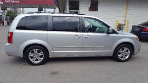 2010 Dodge Grand Caravan SXT Minivan, Van loaded 7995.00 POWER D