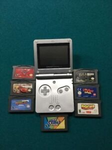 Game Boy Advance SP - with many games +  Gamester