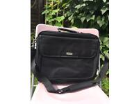 2 laptop bags for sale in super condition